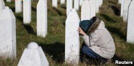 联合国人权领袖批评塞尔维亚人拒绝报道1995屠杀事件