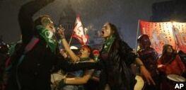 VOA慢速英语:阿根廷立法者拒绝使堕胎法案合法化