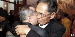 VOA慢速英语:一些老年韩国人对家庭团聚不敢肯定