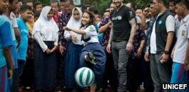 VOA慢速英语:联合国称半数青少年面临学校暴力或欺凌现象