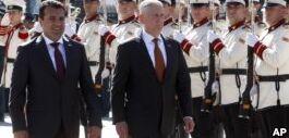 VOA慢速英语:美国防长马蒂斯批俄罗斯干预马其顿公投