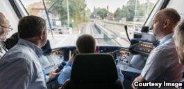VOA慢速英语:全球首辆氢动力列车在德国投入使用