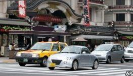 VOA慢速英语:日本老龄司机喜欢迷你车