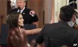 VOA慢速英语:CNN因记者证件被白宫撤销而起诉特朗普