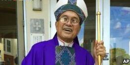 VOA慢速英语:关岛天主教倒闭被指与性侵相关