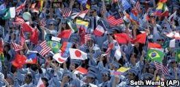 VOA慢速英语:赴美国留学生人数持续下降