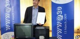 VOA慢速英语:网络之父警告称科技巨头太强大