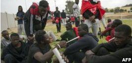 VOA慢速英语:新一轮非洲移民走向致命海洋