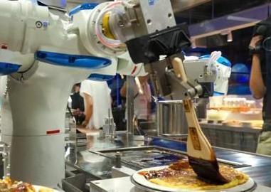 英语访谈节目:机器人会抢走人类工作吗?