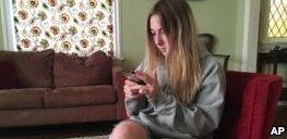 VOA慢速英语:手机应用程序将用于预测青少年抑郁