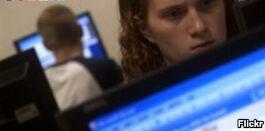 VOA慢速英语:美国研究称高中毕业生有很多好工作