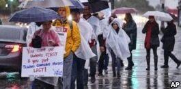 VOA慢速英语:数千名教师在洛杉矶罢工