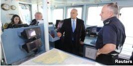 VOA慢速英语:在英国南部海岸的船只上寻求庇护