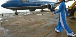 VOA慢速英语:越南获准开通直飞美国航班