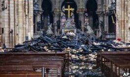 VOA慢速英语:火灾后重建巴黎圣母院
