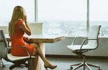 办公室里最让人分心的是什么?同事聊天排第二,第一是……