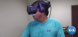VOA慢速英语:科学家们研究虚拟现实是否能预防失忆