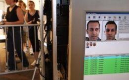 VOA慢速英语:报告称大多数国家使用最新的身份识别技术追踪公民