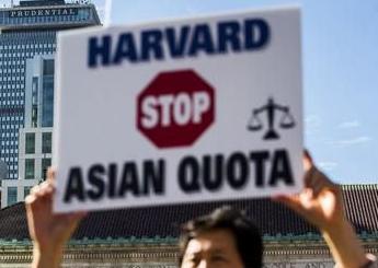 经济学人下载:一周要闻 哈佛歧视案胜诉 英国公布新脱欧方案 约翰逊麻烦缠身