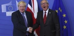 "VOA慢速英语:欧盟与英国就""脱欧""达成协议"