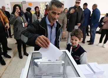 国际英语新闻:Voting begins in Algerian presidential election