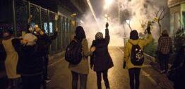 VOA慢速英语:乌克兰航班被击落引发伊朗国内民众大规模示威