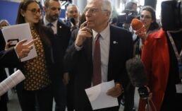 VOA慢速英语:欧盟批评伊朗违反核协议
