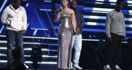 VOA慢速英语:悲伤与争议笼罩着格莱美颁奖典礼
