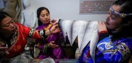 鱼皮服装传统濒临消亡