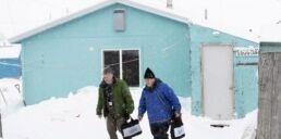 VOA慢速英语:从阿拉斯加开始计算美国人