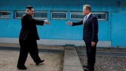 VOA慢速英语:韩国仍在推动与朝鲜的会谈
