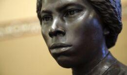 VOA慢速英语:马里兰州州议会揭幕反奴隶主义者的雕像
