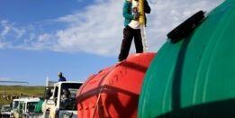 VOA慢速英语:女孩为取水溺亡在南非引发骚乱