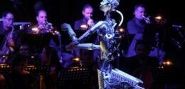 VOA慢速英语:机器人带领人类音乐家进行管弦乐队演奏