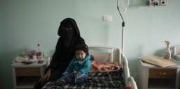 美国心脏病专家治疗利比亚战乱中的儿童