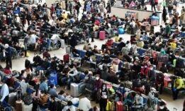 VOA慢速英语:武汉结束封锁 全球卫生工作者压力重重