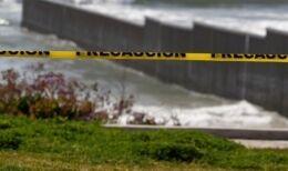 VOA慢速英语:数百万墨西哥人被禁止入境美国