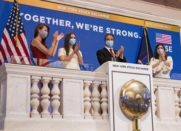 国际英语新闻:New York Stock Exchange partially reopens as U.S. COVID-19 deaths near 100,000