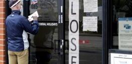 VOA慢速英语:许多经济学家预计经济将缓慢复苏