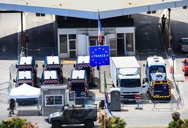 国际英语新闻:Spotlight: European nations relax border controls with vigilance while gearing up to cut tou