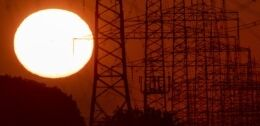 VOA慢速英语:联合国预测未来五年气温还会上升