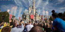 VOA慢速英语:迪斯尼世界重新开放