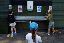 """英国:学校9月开学 将实施""""气泡""""隔离"""