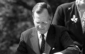 英语访谈节目:残障法案签订三十周年