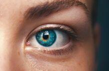 研究:看红光可以延缓视力衰退