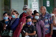 美国150多名专家签署联名信 要求重新实施封锁