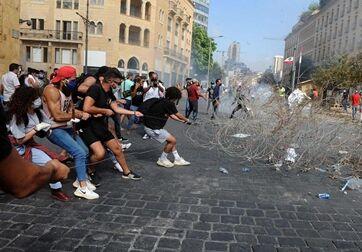 国际英语新闻:Lebanese police officer killed, 142 injured in anti-gov't protests after Beirut's deadly b