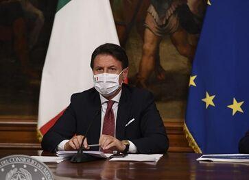 国际英语新闻:Italy's cabinet passes new 25-bln-euro stimulus package for COVID-19 recovery