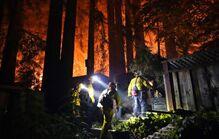 美国加州火灾蔓延 居民仿佛置身火星