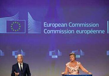 国际英语新闻:European Commission proposes common criteria for COVID-19 travel restrictions
